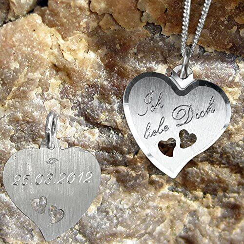 925 Silber Herz Anhänger mit 2 ausgestanzten Herzchen +Kette mit Gravur: Vorderseite: Ich liebe Dich +Rückseite: Datum -