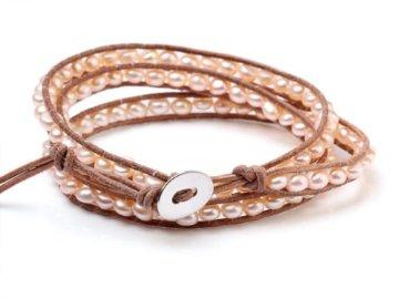 Natürliches TreasureBay Elegant 5 mm Süßwasserperle auf Hand-geknotet Lederband Braun 3-Wrap Armband -